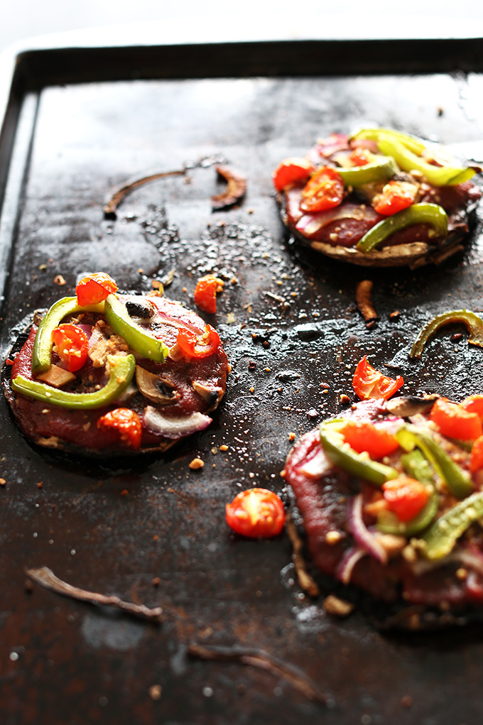 Simple-Portobello-Pizzas-Fast-customizable-and-a-healthy-vegan-glutenfree-dinner-idea